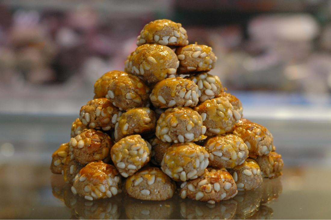 Die Mandelküchlein aus Katalonien schmecken nicht nur am Muttertag wunderbar.