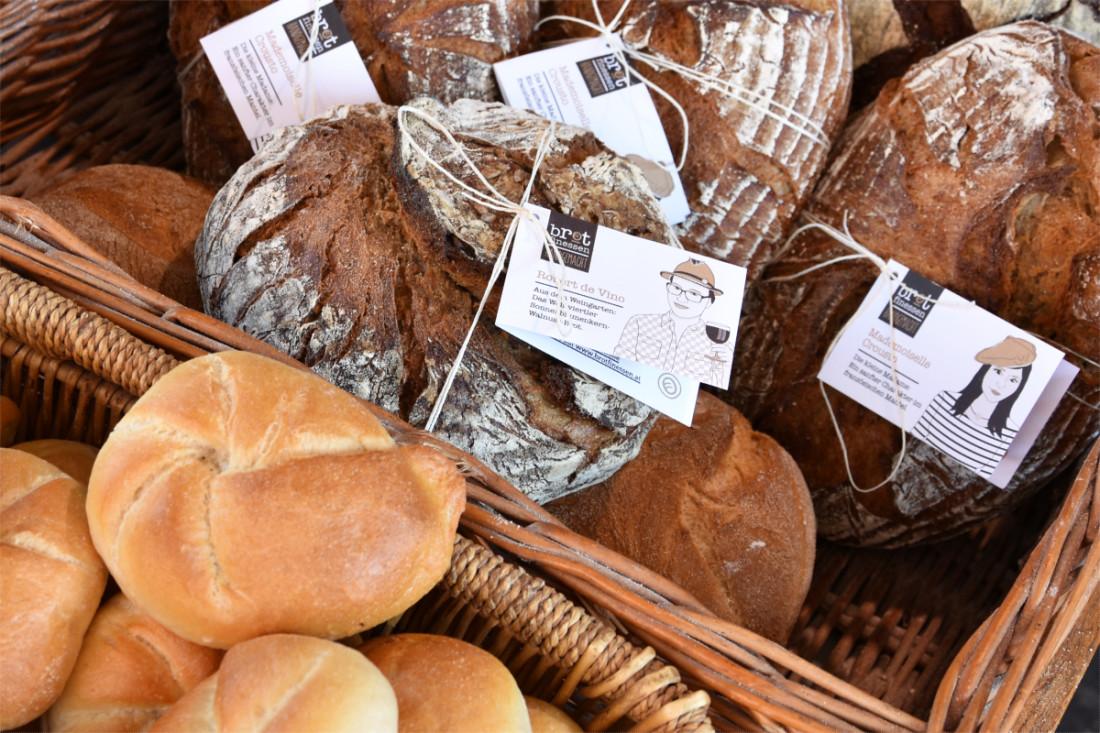 Brotfamilie und Handsemmeln